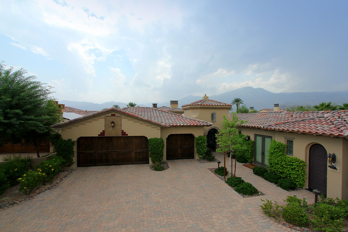 Custom Home in La Quinta